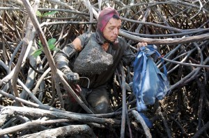 A crab collector—one of 150,000 Ecuadorians who rely on mangroves for their livelihood.
